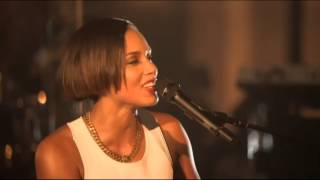 getlinkyoutube.com-Alicia Keys -- Fallin (Live At Manchester Cathedral)