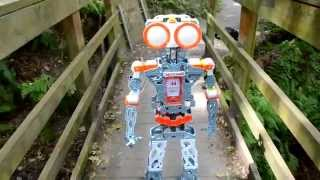 getlinkyoutube.com-Meccanoid Rob Becomes A MOONBOT