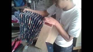 getlinkyoutube.com-Chis-meo TV: Nuevo instrumento basura (acordeón).