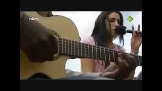 getlinkyoutube.com-Amy Winehouse - In My Bed Live Acoustic 2004