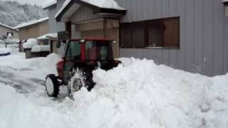 getlinkyoutube.com-ヤンマーエコトラで除雪 Clear snow by Yanmar tractor