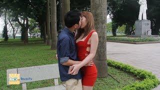 Xếp Hình Hôn Gái Xinh & Cái Kết Bất Ngờ - Quang Bek ( How to kiss a girl )