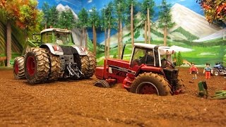 getlinkyoutube.com-RC TRACTOR IHC stuck in mud - FUNNY R/C Model Toys in ACTION -
