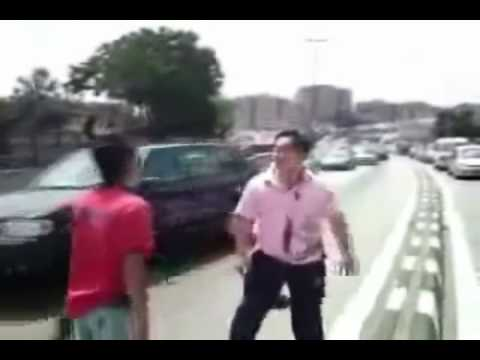 Road Rage Fight After Fender Bender (AS SEEN ON TV!)