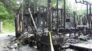 getlinkyoutube.com-Roan Mountain fire scene