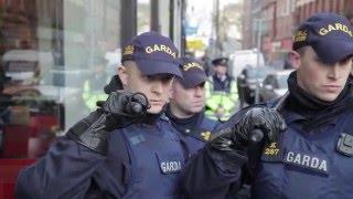 getlinkyoutube.com-PEGIDA Get Chased Out Of Dublin.