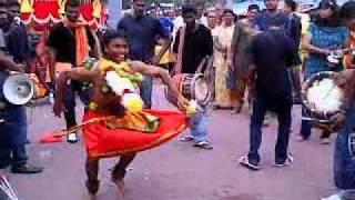 getlinkyoutube.com-Aathi Sivan Urumi Melam
