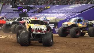 getlinkyoutube.com-Monster Jam in Reliant Stadium - Houston, TX 2014 - Full Show - Episode 2