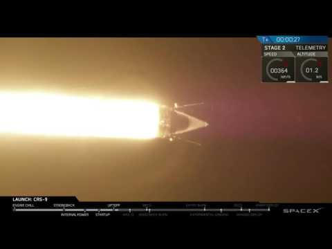 Liftoff of SpaceX CRS-9
