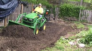 getlinkyoutube.com-Deere 1025R & Toothbar vs. Crushed Rock Driveway