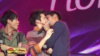 getlinkyoutube.com-[FANCAM] 081013 - March & Tou Cute Moment #HormonesDayNight at Parc Paragon