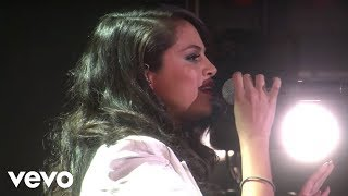 getlinkyoutube.com-Selena Gomez - Same Old Love (Live On Ellen)