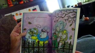 getlinkyoutube.com-Arthur's Halloween by Marc Brown.mov