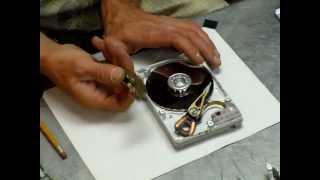 getlinkyoutube.com-HardDrive-Bedini-Motor--Taking the hard drive apart (already apart) - Destructive - Part 1 of 2