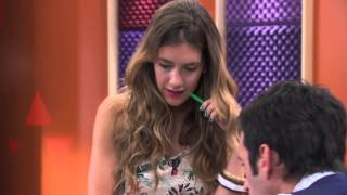 Violetta: Angie canta ¨Algo se enciende¨ (Temp 2 Ep 42)