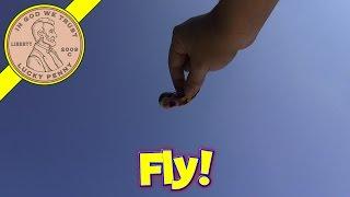 getlinkyoutube.com-Life-Like Sky Diving Finger Flingers Sky Divers Novelty Toy