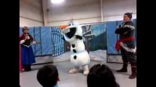getlinkyoutube.com-show disney kids show casi  completo de frozen
