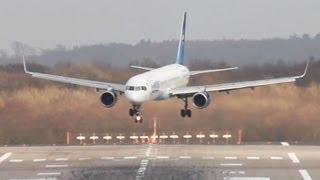 getlinkyoutube.com-Scary Plane Landing - Boeing 757 Crosswind fight (HQ, full HD)