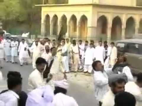firing niazi pathan in mianwali.flv