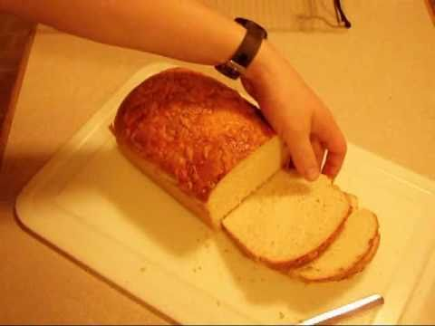 How to bake a great loaf of homemade bread (Recipe & Technique)