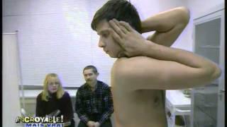 getlinkyoutube.com-Alexandre tourne sa tête à 180 degrés
