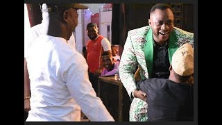 Humble! Woli Agba Kneels To Greet Odunlade Adekola,Muyiwa Ademola& Others at his Graduation Ceremony