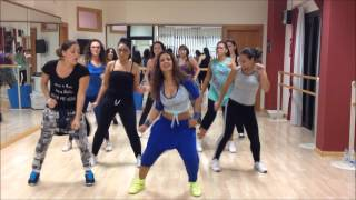 getlinkyoutube.com-ROMA BANGKOK zumba Coreography by Cielo