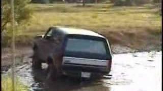 getlinkyoutube.com-Ford Broncos Mudding