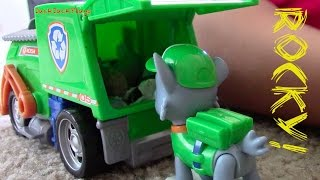 getlinkyoutube.com-PAW PATROL Rocky Recycling Truck | Toy Garbage Truck Unboxing with JackJackPlays
