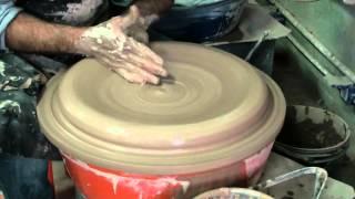 getlinkyoutube.com-Alfarería, torneando un pato de 50 cm de diámetro:Francisco Lorusso