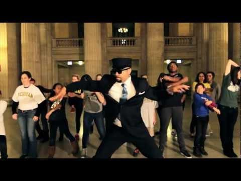 Thumbnail image for 'Chicago Style (Amtrak Gangnam Style Parody)'