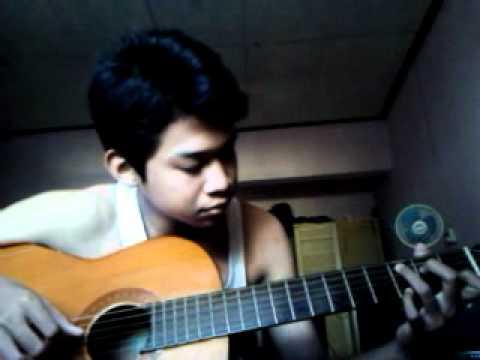 """Viendo el video """"Naomi Main Gitar Mov"""" MP3 Gratis"""
