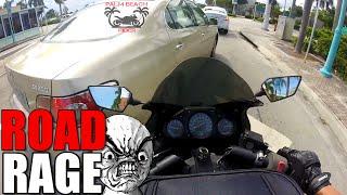 getlinkyoutube.com-Road Rage...Car VS Motorcycle