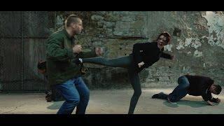 getlinkyoutube.com-Karate Girl STREETFIGHT!