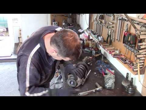 Ремонт ходовой Фольксваген Гольф Volkswagen Golf (замена гидростоек , подшипников и  шрусов)