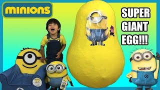 getlinkyoutube.com-GIANT EGG SURPRISE MINION from Despicable Me kids Video Ryan ToysReview