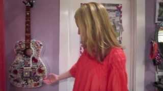 getlinkyoutube.com-EXCLUSIVE: Bridgit Mendler Gives Us a Tour of Her Room!