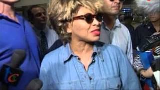getlinkyoutube.com-Tina Turner arrives in Singapore following private concert for the Princess of Brunei