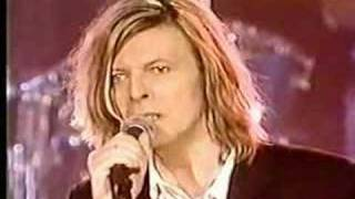 getlinkyoutube.com-The Man Who Sold The World - David Bowie - Live at the beeb