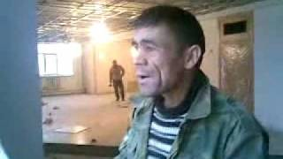 getlinkyoutube.com-Tajik Worker Singing indian Song