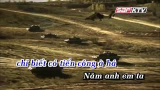 getlinkyoutube.com-KARAOKE Năm Anh Em Trên Một Chiếc Xe Tăng Remix   Quang Hà   YouTube