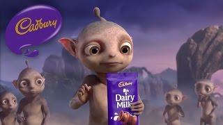 getlinkyoutube.com-Cadbury Dairy Milk - Aliens - Canada (40 secs)