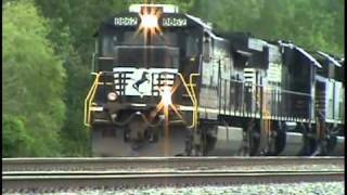 getlinkyoutube.com-Exploding Turbo Charger: NS Locomotive Failure With a Smoke Show Near Toledo, Ohio.