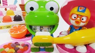 getlinkyoutube.com-뽀로로 와 크롱 치카치카 멜로디 양치놀이 장난감 Crong melody Brushing Teeth Pororo Toy