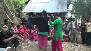 getlinkyoutube.com-गुल्मेली नानीहरु पन्चे बाजा मा नाच्दै panche baaja kurgha gulmi