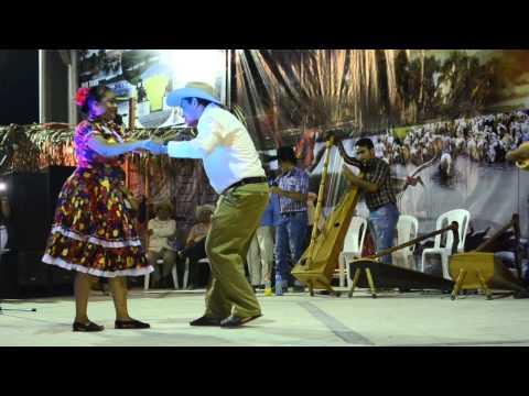 Mejor pareja Baile de Joropo de Publio González y Maritza Marín, en Tame
