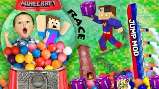 getlinkyoutube.com-BOY TRAPPED IN GUMBALL MACHINE!  Minecraft Fantasia Lucky Block Race + Wall Jump Mod (FGTEEV Fun!)