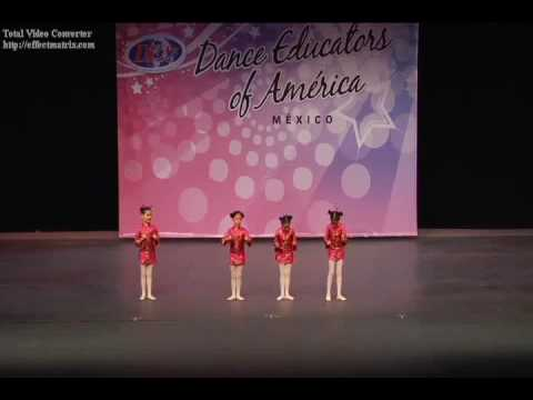 Dana Camaz Danza China Del Cascanueces