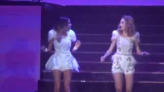getlinkyoutube.com-Underneath it all y Mas que dos - Violetta Live GIRA DESPEDIDA 18-04-15 19hs
