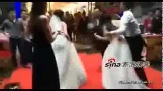 getlinkyoutube.com-Pregnant mistress in white dress starts fight at lover's wedding